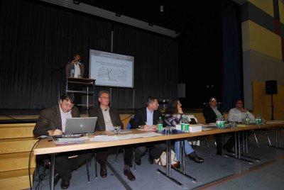 Der Vorstand des Bürgervereins Leben in Zeuthen, P. Danckert (MdB) und B. Lakenmacher (MdL).