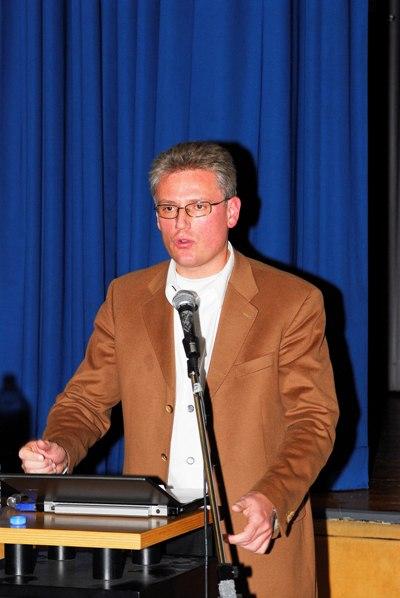 Martin Henkel berichtet über das Bündnis mit den anderen Bürgerinitiativen