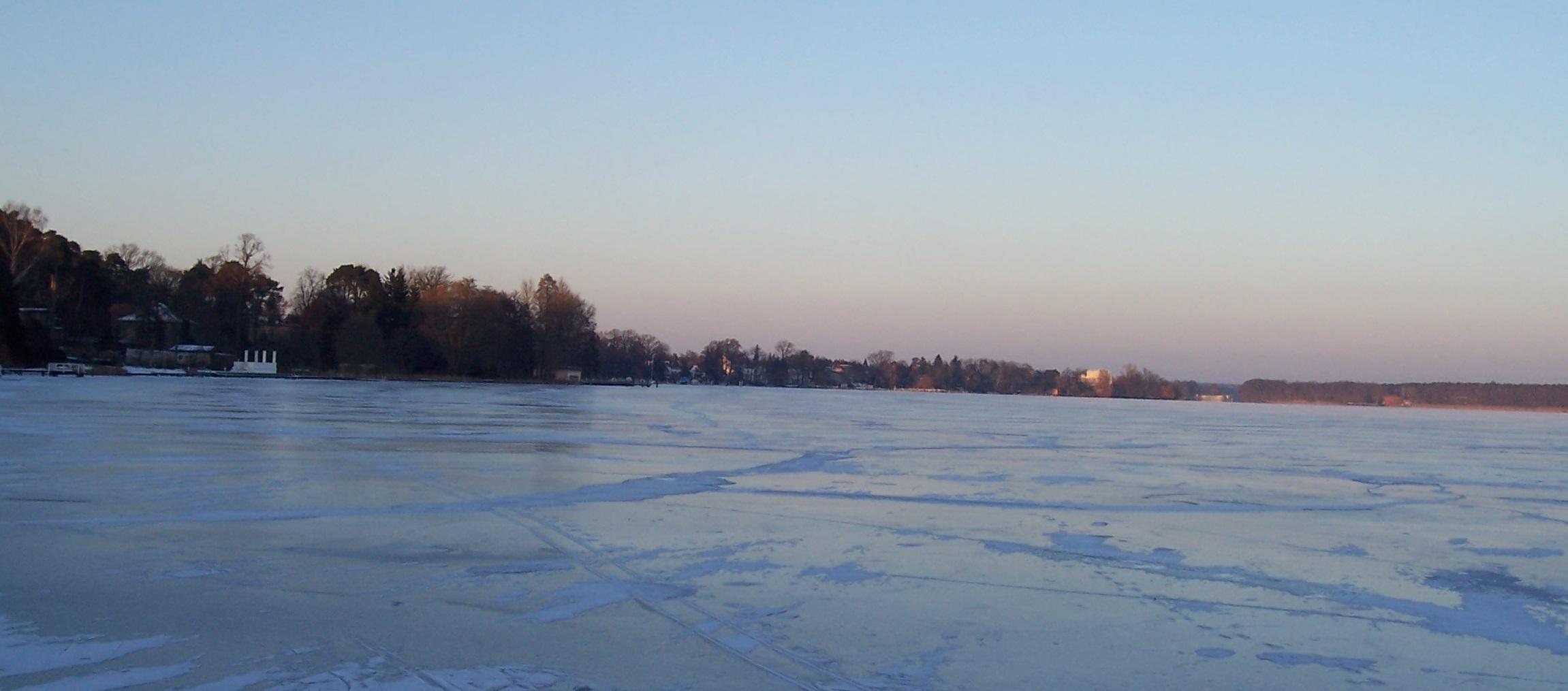 Zugefrorener Zeuthener See - noch ohne Fluglärm